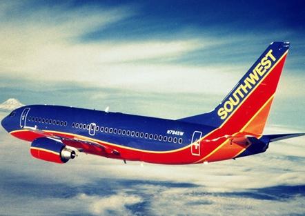 Vietnam Airlines lọt top 20 hãng hàng không 'sặc sỡ' nhất thế giới - anh 17