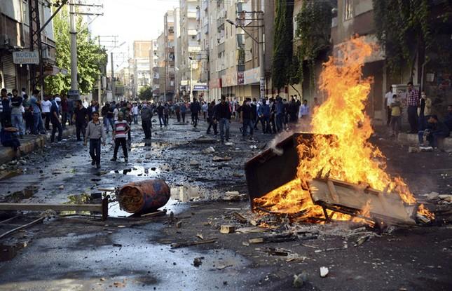 Thị trấn Syria rơi vào tay IS, thảm kịch đẫm máu liên tiếp xảy ra - anh 6