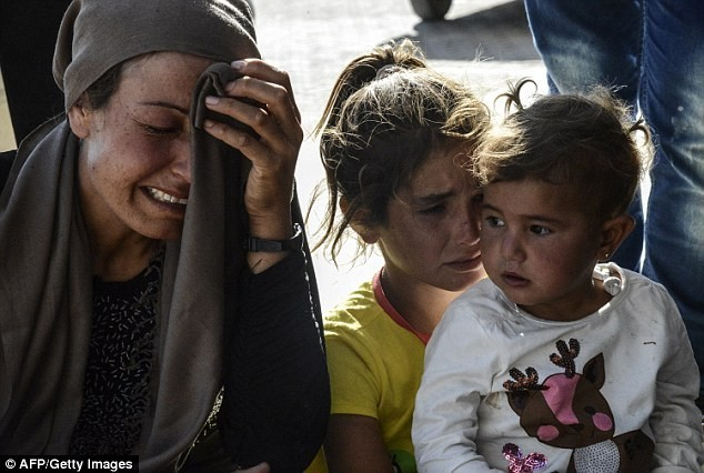Thị trấn Syria rơi vào tay IS, thảm kịch đẫm máu liên tiếp xảy ra - anh 1