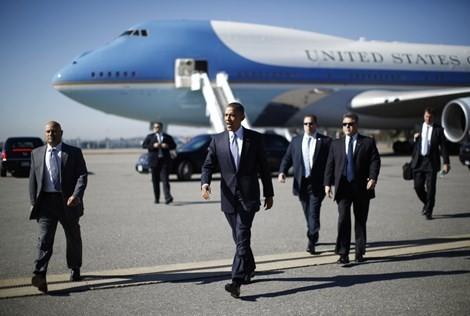 Mỗi giờ bay của Tổng thống Obama 'ngốn' hàng tỷ đồng - anh 1