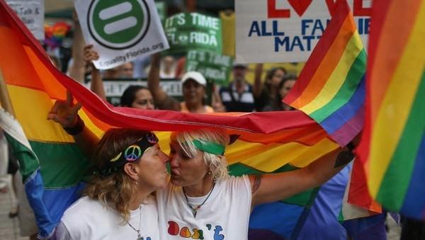 Mỹ hợp pháp hóa hôn nhân đồng giới trên toàn liên bang - anh 1