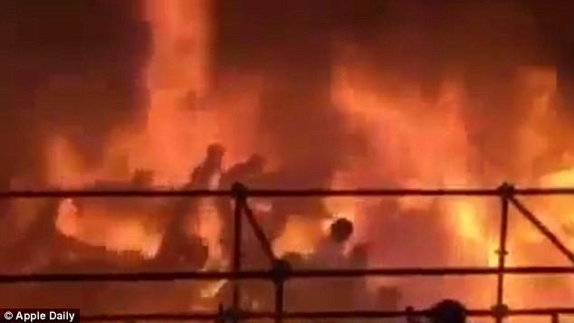 Đêm lễ hội kinh hoàng tại Đài Loan: Gần 500 người bị bỏng nặng - anh 1