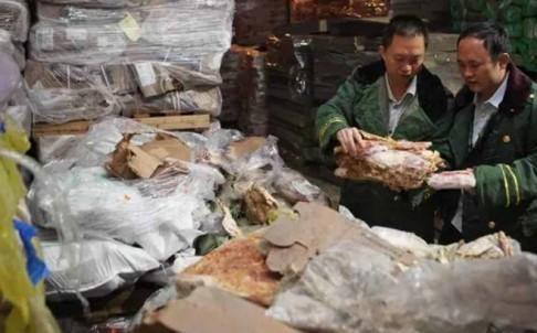 Trung Quốc: Tiết lộ nguồn gốc khối thịt đông lạnh... 40 năm - anh 1