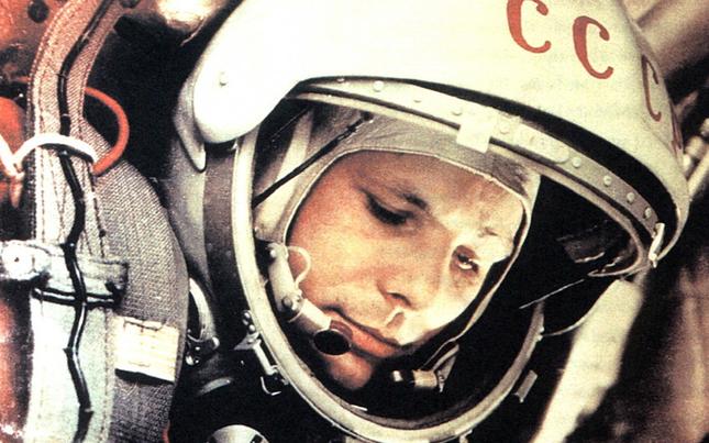 Năm 2040, Nga sẽ chinh phục Mặt trăng hoàn toàn - anh 2