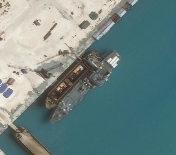 Washington Post đăng ảnh Trung Quốc xây cơ sở quân sự ở Biển Đông - anh 3