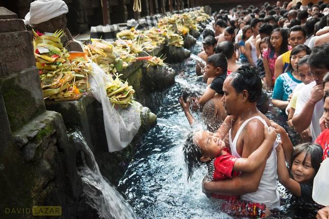 Khám phá đảo quốc Indonesia qua 18 bức ảnh của nhiếp ảnh gia hàng đầu thế giới - anh 6