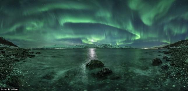 Chiêm ngưỡng những tác phẩm dự thi nhiếp ảnh về Thiên văn học bậc nhất nước Anh - anh 5