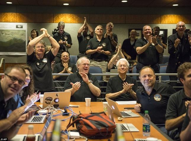 Những hình ảnh mới của sao Diêm Vương: Sứ mệnh 10 năm bay của tàu New Horizons - anh 1