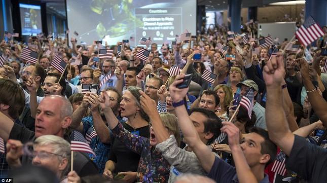 Những hình ảnh mới của sao Diêm Vương: Sứ mệnh 10 năm bay của tàu New Horizons - anh 3