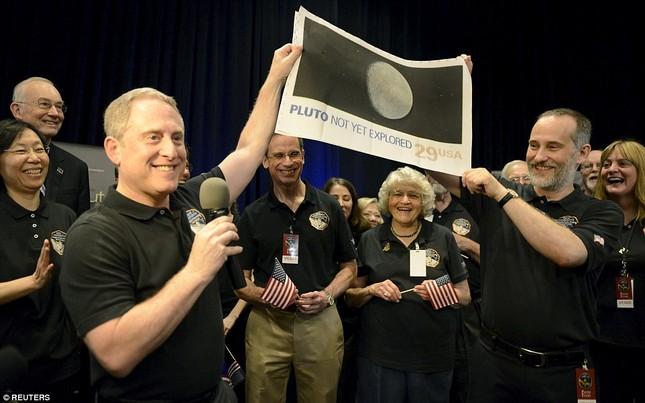Những hình ảnh mới của sao Diêm Vương: Sứ mệnh 10 năm bay của tàu New Horizons - anh 4
