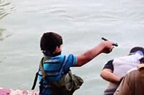 Sát nhân 2 tuổi và vụ thảm sát 1.700 người của khủng bố IS - anh 1