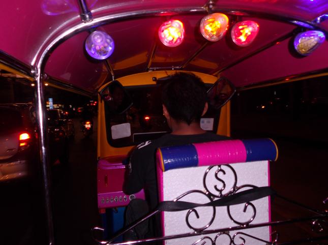 Tình yêu đầu với Bangkok - Một lần và nhớ mãi - anh 2