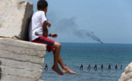 Khủng bố IS phục kích tàu hải quân Ai Cập bằng tên lửa - anh 2