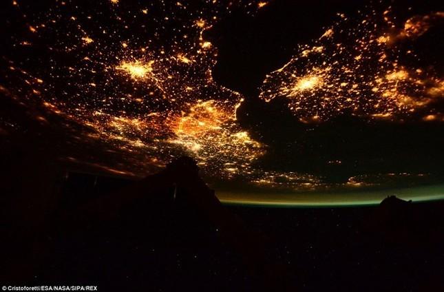 Những hình ảnh tuyệt đẹp của Trái Đất chụp từ trạm vũ trụ ISS - anh 4