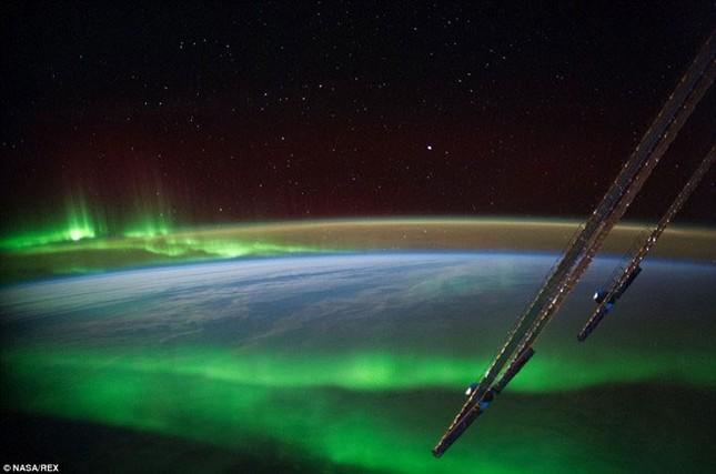 Những hình ảnh tuyệt đẹp của Trái Đất chụp từ trạm vũ trụ ISS - anh 6