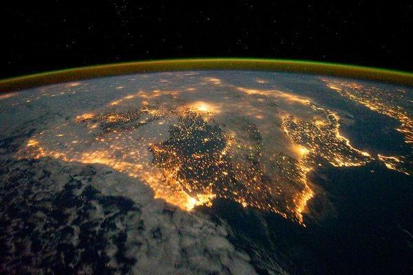 Những hình ảnh tuyệt đẹp của Trái Đất chụp từ trạm vũ trụ ISS - anh 7
