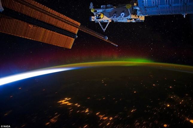 Những hình ảnh tuyệt đẹp của Trái Đất chụp từ trạm vũ trụ ISS - anh 11