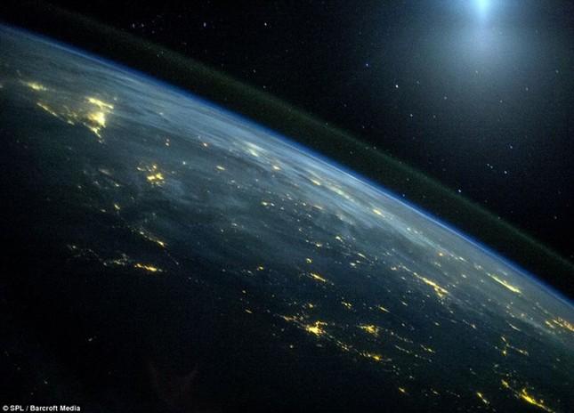 Những hình ảnh tuyệt đẹp của Trái Đất chụp từ trạm vũ trụ ISS - anh 14