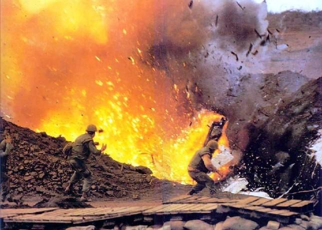 3 lý do khiến Mỹ không dám ném bom nguyên tử xuống Việt Nam - anh 1