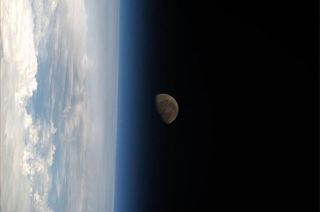 Những hình ảnh tuyệt đẹp của Trái Đất chụp từ trạm vũ trụ ISS - anh 8