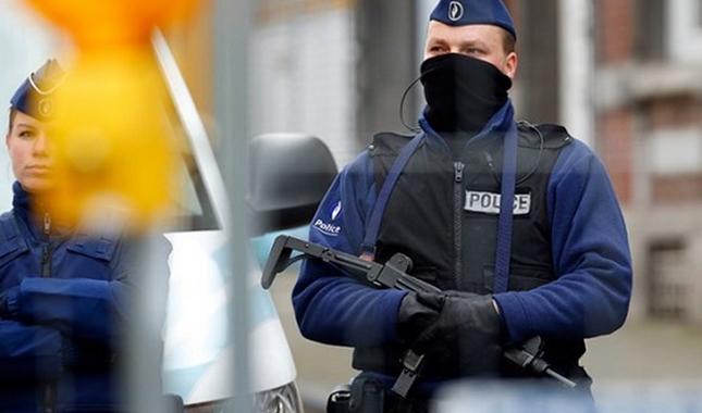 Khủng bố IS dọa phủ kín Paris bằng máu và xác người vô tội - anh 4