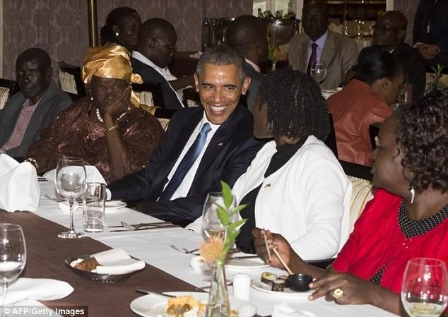 Toàn cảnh Obama thăm quê nhà Kenya trong niềm hạnh phúc vỡ òa - anh 1