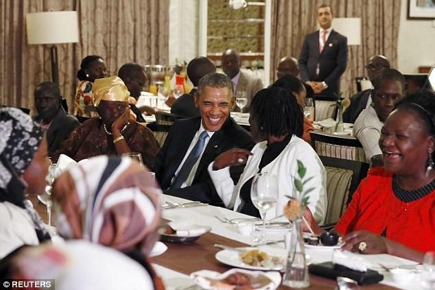 Toàn cảnh Obama thăm quê nhà Kenya trong niềm hạnh phúc vỡ òa - anh 2