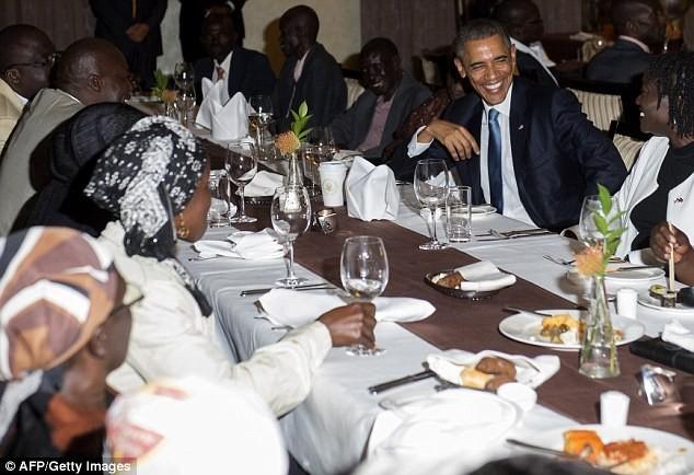 Toàn cảnh Obama thăm quê nhà Kenya trong niềm hạnh phúc vỡ òa - anh 3