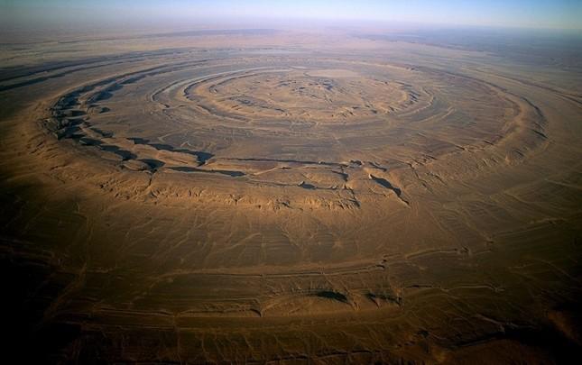 Bí ẩn cấu trúc triệu năm 'Con mắt của châu Phi' tại sa mạc Sahara - anh 4