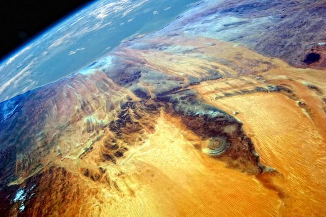 Bí ẩn cấu trúc triệu năm 'Con mắt của châu Phi' tại sa mạc Sahara - anh 5