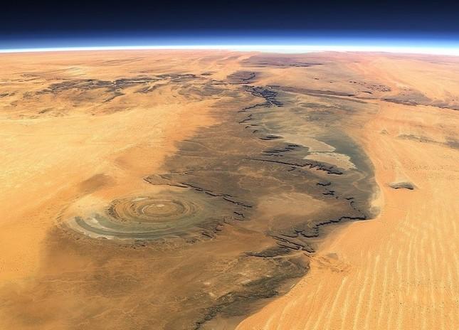 Bí ẩn cấu trúc triệu năm 'Con mắt của châu Phi' tại sa mạc Sahara - anh 2