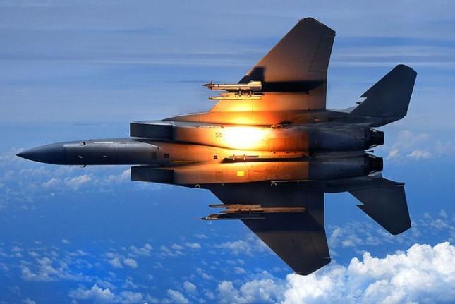 F-15 Eagle: 'Đại Bàng' bất khả chiến bại của Không lực Mỹ - anh 5