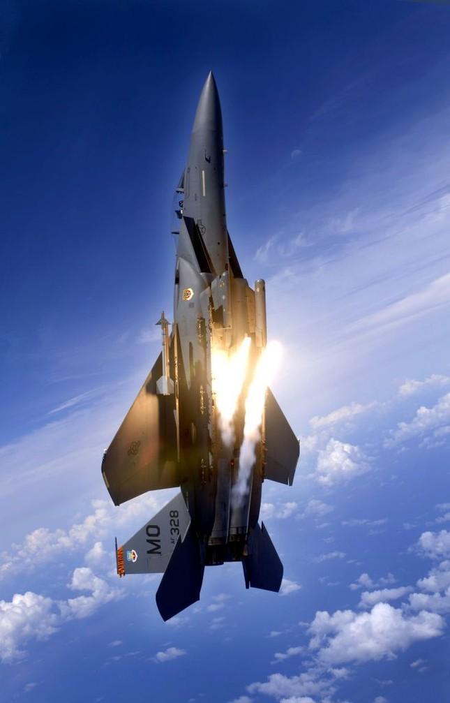 F-15 Eagle: 'Đại Bàng' bất khả chiến bại của Không lực Mỹ - anh 1