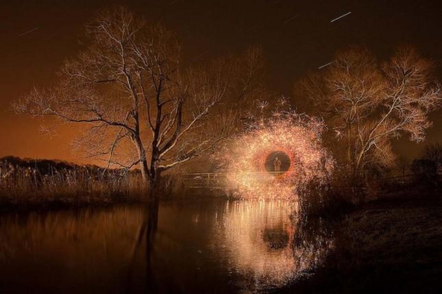 Bộ ảnh Graffiti ánh sáng đẹp đến mê hồn - anh 12