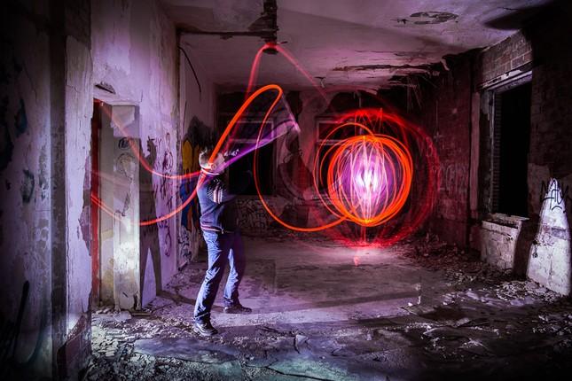 Bộ ảnh Graffiti ánh sáng đẹp đến mê hồn - anh 17