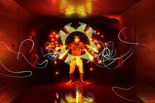 Bộ ảnh Graffiti ánh sáng đẹp đến mê hồn - anh 20