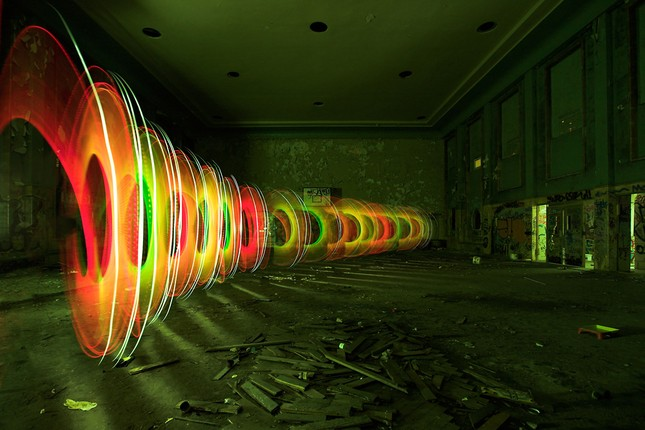 Bộ ảnh Graffiti ánh sáng đẹp đến mê hồn - anh 8