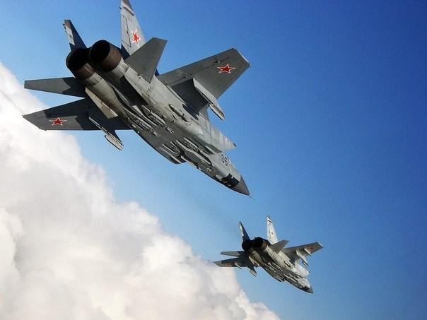 Tiêm kích MiG-25: Huyền thoại bầu trời của Liên Xô - anh 4