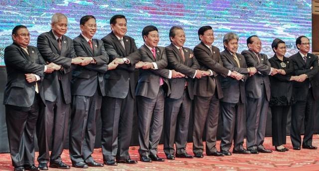 ASEAN ra Tuyên bố chung, quan ngại sâu sắc về tình hình Biển Đông - anh 1