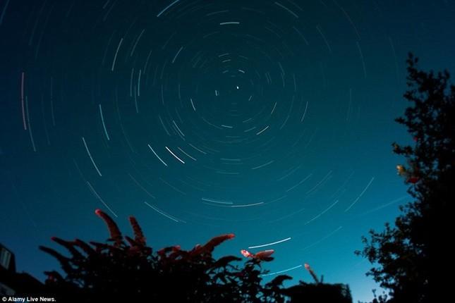 Vẻ đẹp của trận mưa sao băng đêm qua trên khắp thế giới - anh 6