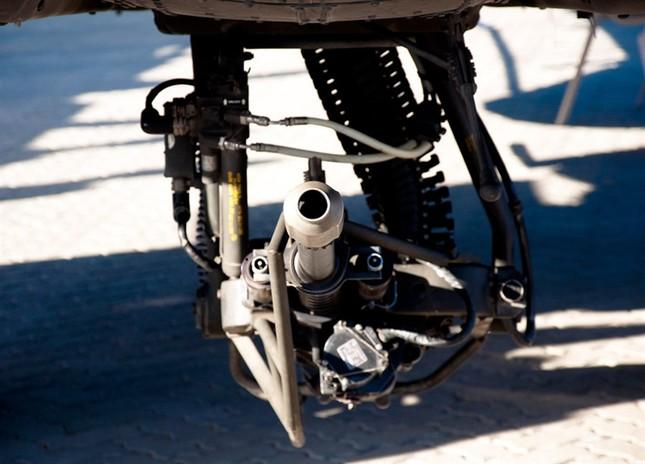 Sức mạnh khủng khiếp của 'sát thủ trên không' AH-64 Apache - anh 4