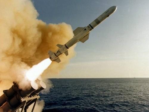 Mỹ phát triển tên lửa chống hạm mới đối phó Trung Quốc - anh 1