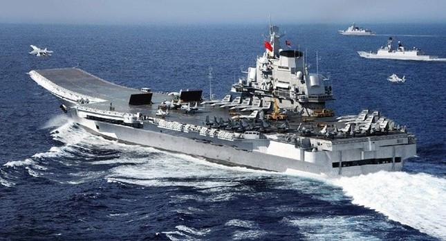 Toan tính của Trung Quốc khi xây căn cứ tàu sân bay gần Biển Đông - anh 1