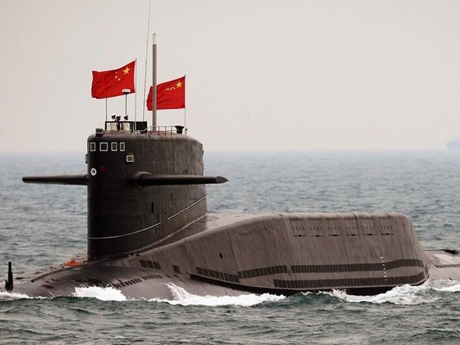 Toan tính của Trung Quốc khi xây căn cứ tàu sân bay gần Biển Đông - anh 3