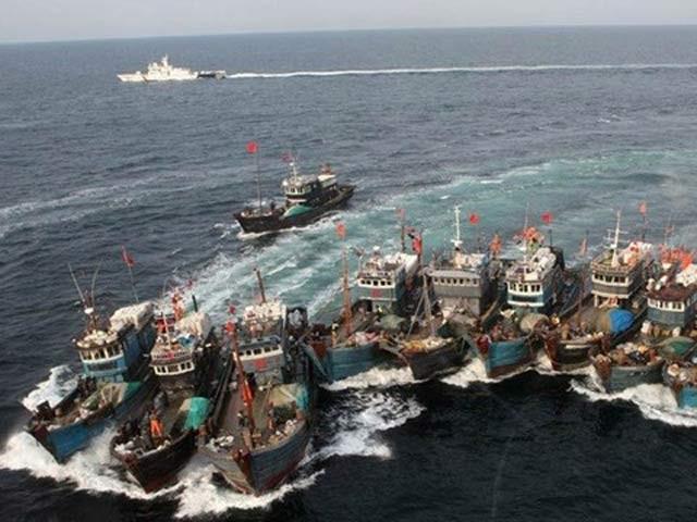 """Biển Đông hôm nay 17/8: Lập """"hạm đội đánh cá"""" lớn nhất thế giới, Trung Quốc 'trêu ngươi' luật quốc tế - anh 1"""