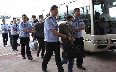 """Điều đặc vụ ngầm sang Mỹ, Trung Quốc đang thực thi """"chiến dịch Săn Cáo"""" - anh 1"""