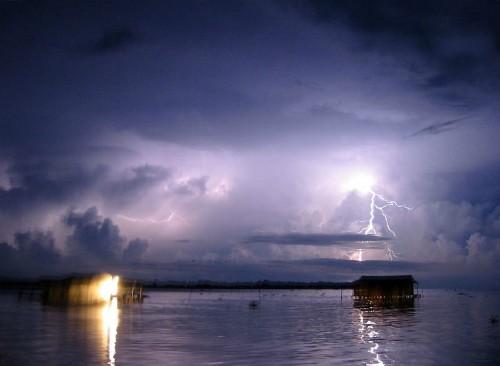 Vũ điệu ánh sáng trên Hồ Maracaibo - Nơi bị sét đánh nhiều nhất thế giới - anh 5