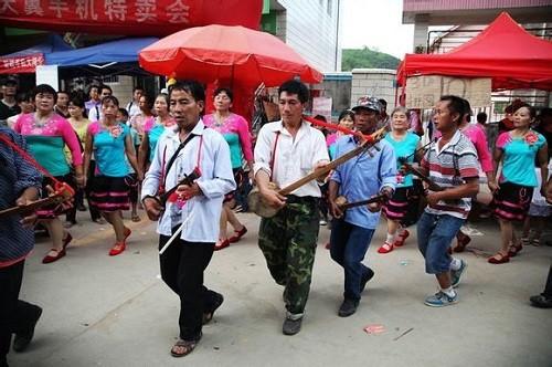 Lễ hội sờ ngực có '1-0-2' ở Trung Quốc - anh 2