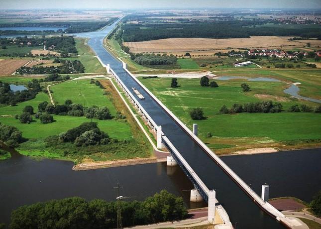 Cầu máng Magdeburg: Cây cầu 'lừa tình' nhất của Đức - anh 2