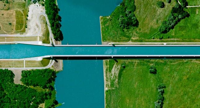 Cầu máng Magdeburg: Cây cầu 'lừa tình' nhất của Đức - anh 3